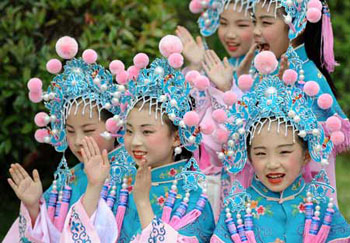 Chinese Celebrate Labor Day All China Women S Federation