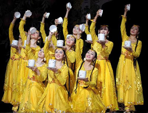 Xinjiang Songs and Dances Staged in New Zealand - All China Women's