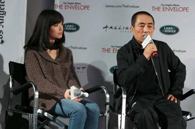 Ni Ni with Zhang Yimou at the LA premiere.[roll.sohu.com]