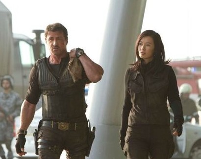 Yu Nan (R) stars beside Sylvester Stallone in The Expendables 2. [touxw.com]