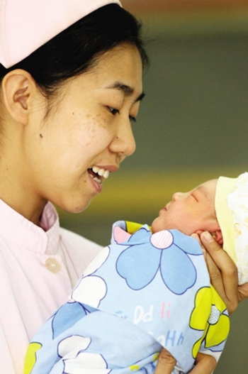 mothers role in china Authoritative parenting among immigrant chinese mothers of preschoolers  role, parenting stress  ing the people's republic of china (prc), hong kong.