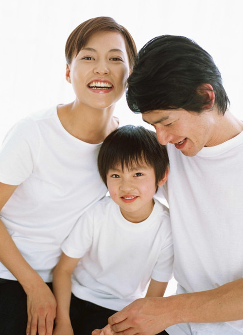 thbt chinese parents are better at Thbt economic policies are better determined by technocrats than  thbt liberal democracies should financially incentivize parents to raise their children in a.