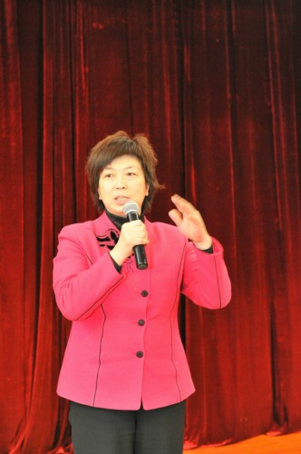 President of the Shaanxi Women's Federation Jing Jianping gives a speech. [Shaanxi Women's Federation]