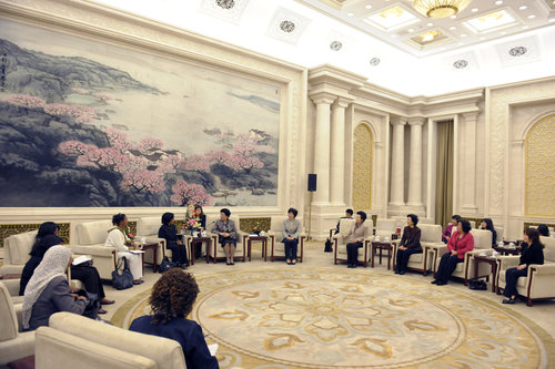Shitaye Minale Tizazu and Chen Zhili meet at the Great Hall of the People in Beijing. [Women of China/Fan Wenjun]