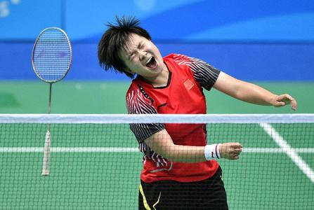 16-year-old Upsets World No 1 to Take Badminton Gold at Youth Olympics