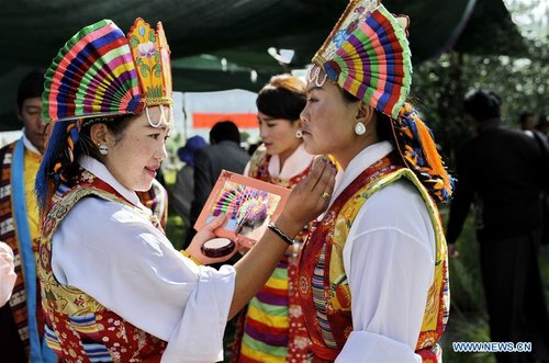 Cultural Festival of Tibetan Opera Held in SW China