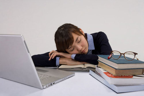 sleep deprivation among university student Abstract sleep deprivation is a common problem in the young adult college student population  phenomena prevalent among traditional college students.