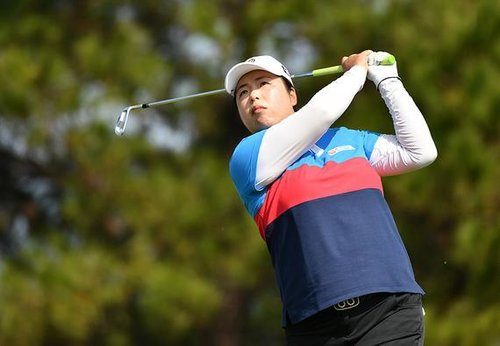 Chinese Golfer Feng Grabs Early Qingyuan Lead