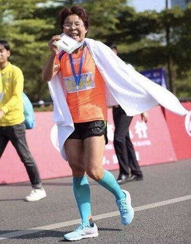 Chinese Woman, 51, Becomes the Fastest Runner at Shenzhen International Marathon