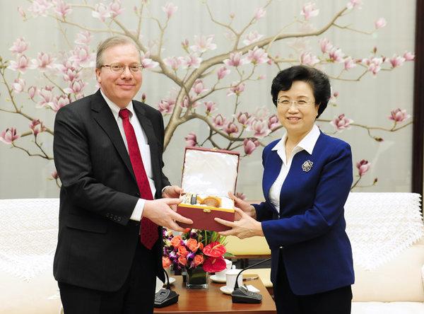 ACWF VP Meets Senior UN Diplomat in Beijing