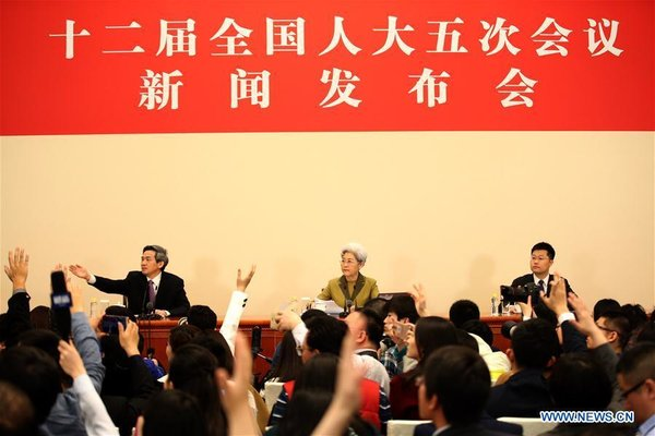 Spokesperson Fu Ying Shows at the Press Conference on the 5th Session of China's 12th NPC