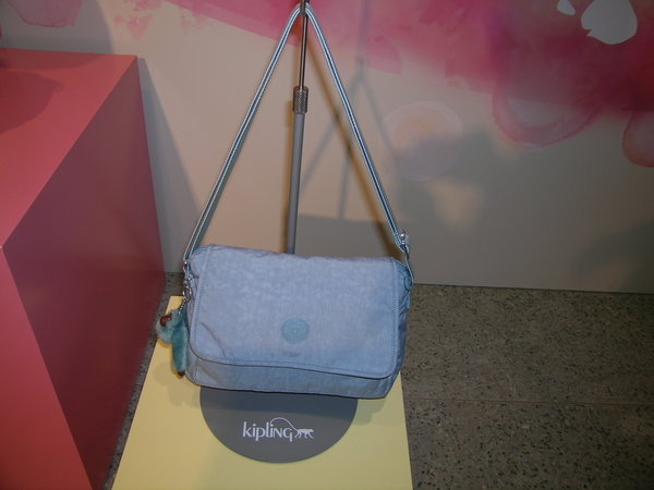b691751a7d4 Belgian Handbag Brand Kipling Holds 30th Anniversary - All China ...