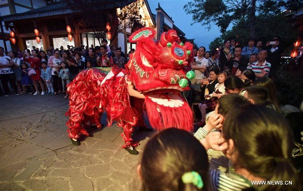 China Sees Tourism Boom During Labor Day Holiday All China Women S