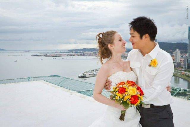 A Feast of Eyes: Striking Wedding Pictures of Transnational Marriage