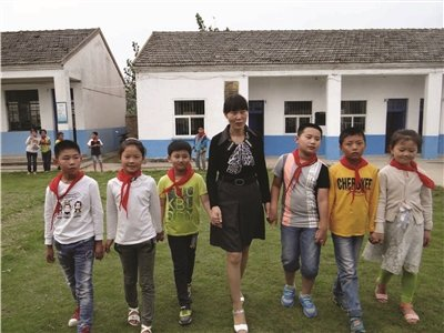 Female Rural Teacher Shelters 59 Children in Nearly 3 Decades