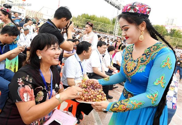 Grape Festival Kicks off at Turpan in NW China's Xinjiang