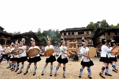 Ethnic Groups Bless Thunder Goddess at Festival in SW China