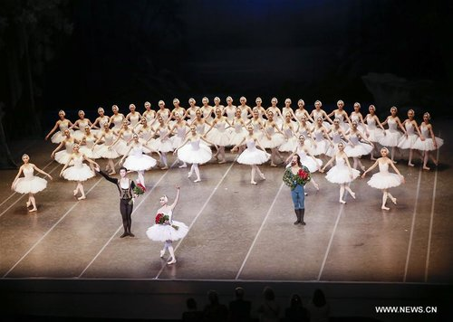 Shanghai Ballet Performs Swan Lake in Belgium