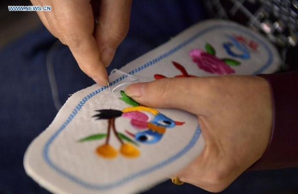 Embroidery Shows Culture of Tujia Ethnic Group in C China's Hubei