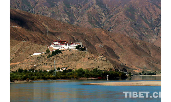 Scenery Of Yarlung Tsangpo River In SW Chinas Tibet All China - Highest river in the world