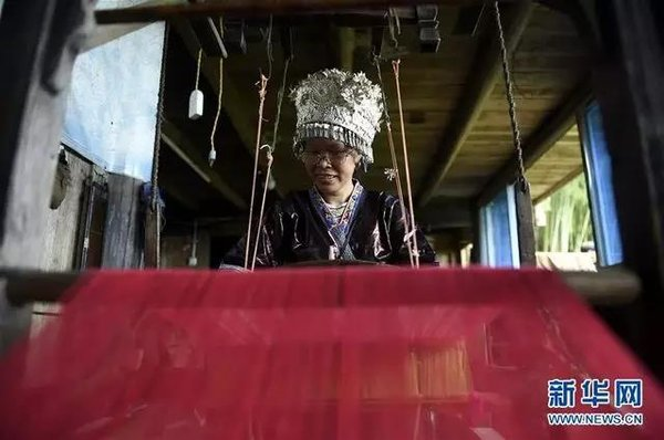 Miao Embroidery Helps Rural Women Get Rich