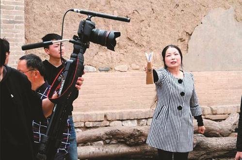 Village Doctor Doubles as Movie Director to Promote Rural Culture
