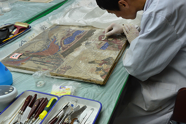Murals Displayed in Xi'an Qujiang Museum of Fine Arts