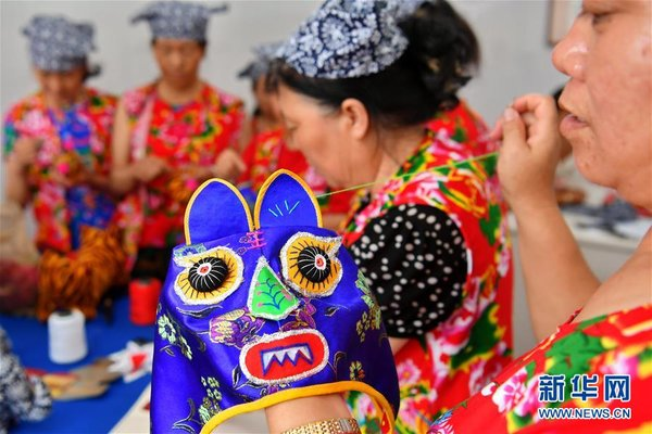 Traditional Craft Helps Women Shake off Poverty in N China
