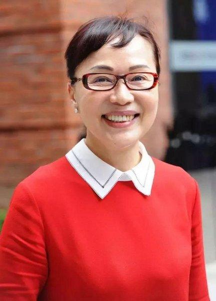 Female Business Entrepreneur Innovates China's Knitting Industry