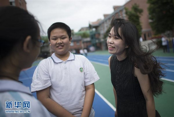 Young Teacher Fu Lin Gives Special Lessons for New Students