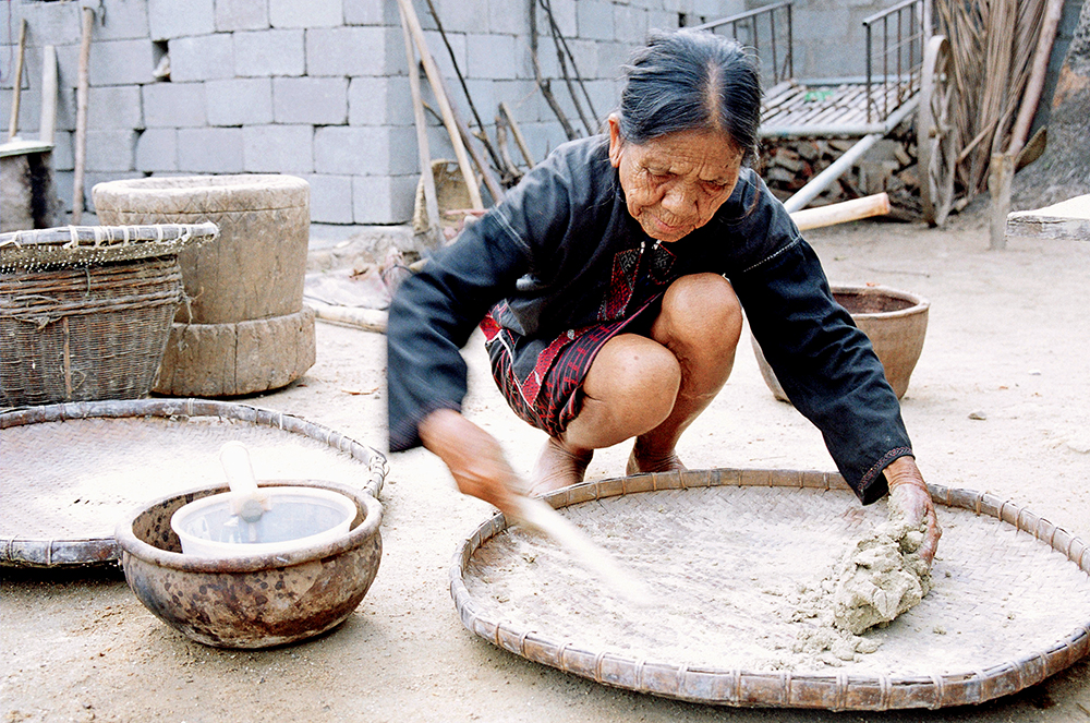 Perseverance, Innovation Chinese Women Inheriting Intangible Cultural Heritage