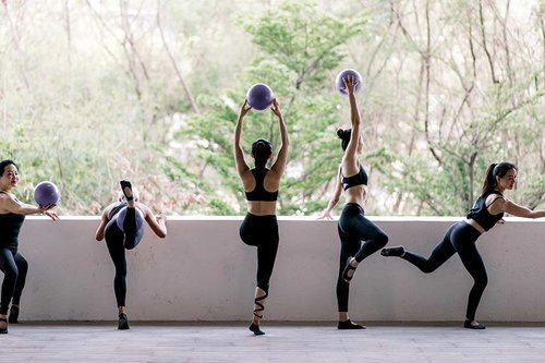 Fitness Instructors' Comments Shape Women's Body Satisfaction: Study