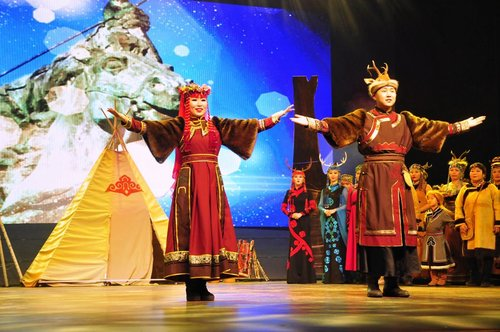 Traditional Performance in Oroqen Celebrates 40 Yrs of Reform, Opening-up