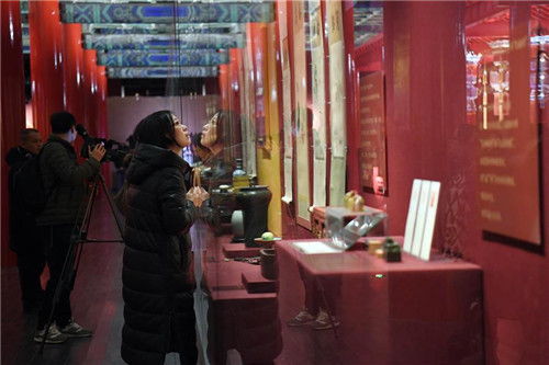 Exhibits Displayed at Palace Museum to Celebrate Spring Festival