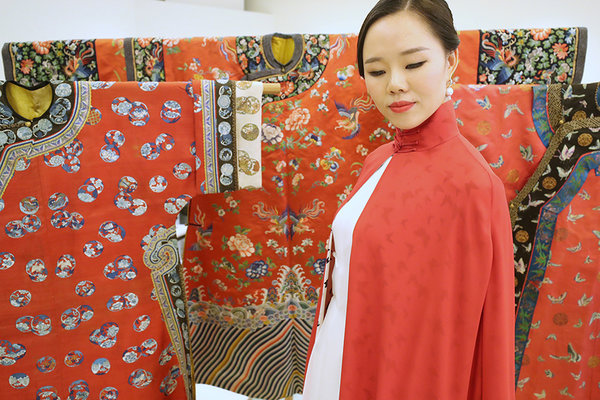 Kuwait Embassy Hosts Exhibition of Ancient Chinese garments in Beijing
