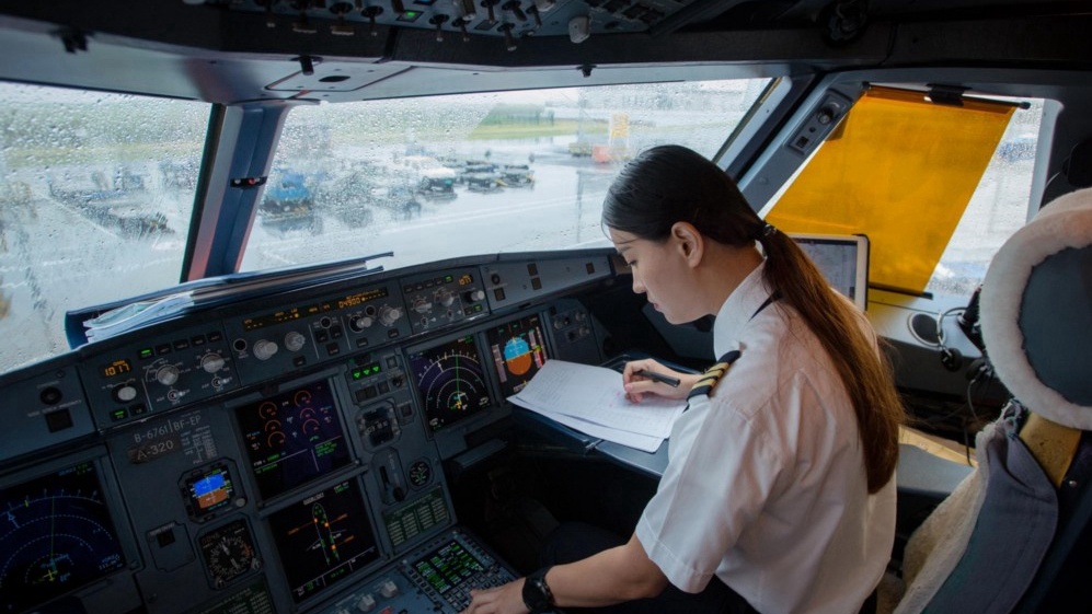 Three Years Later, This Flight Attendant Finally Became a Co-pilot