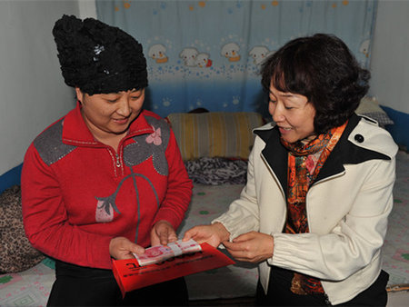 chifeng women Chifeng shenglun cashmere products co,ltd chifeng foreign trade cashmere foundry factory was transformed into shenglun women wear comfortable.