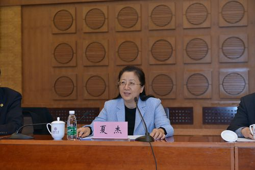 Outstanding Female Role Models Spread Positive Spirits at Top Beijing Uni